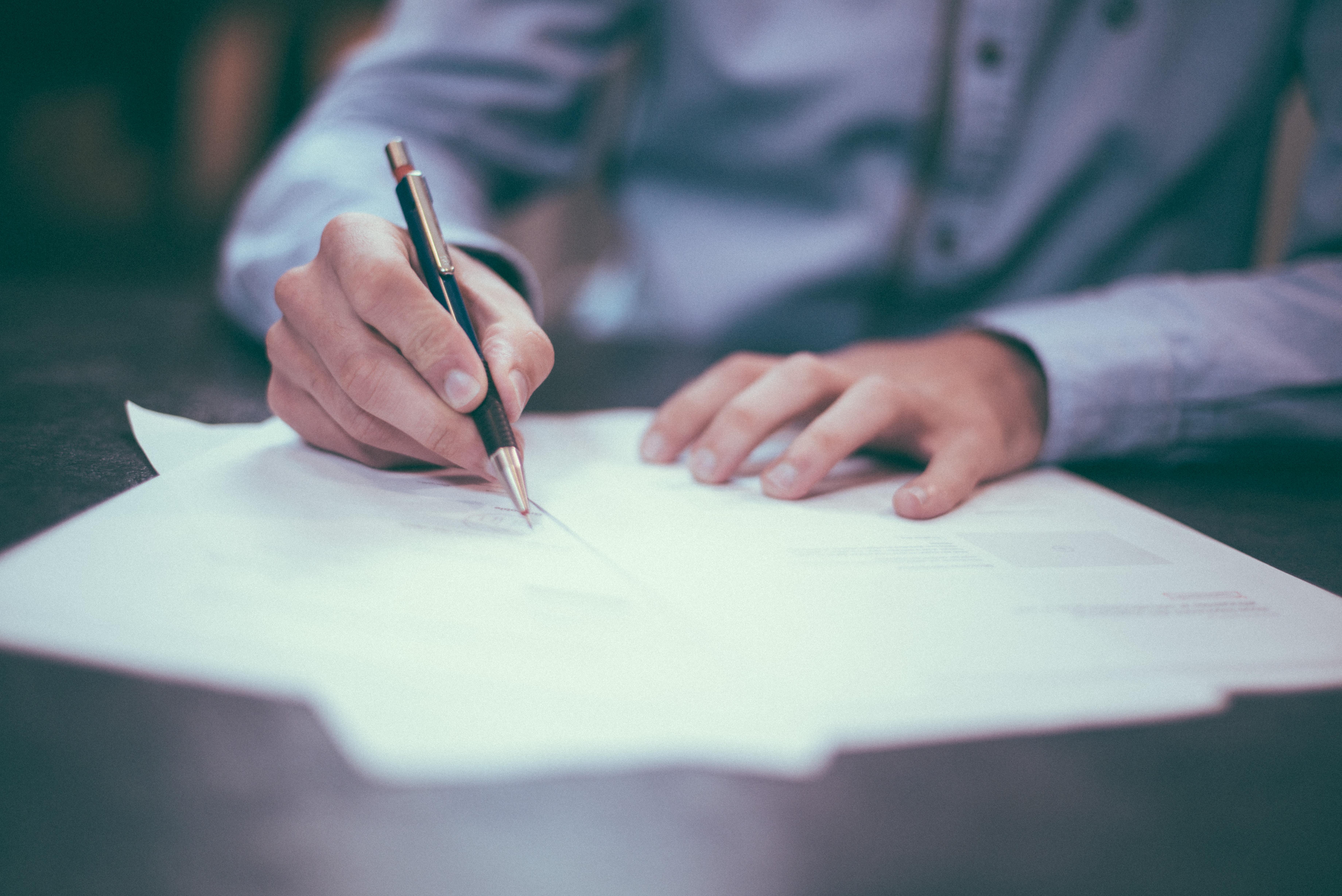 Opóźnienie w zapłacie wynagrodzenia jako podstawa rozwiązania umowy o pracę bez wypowiedzenia.